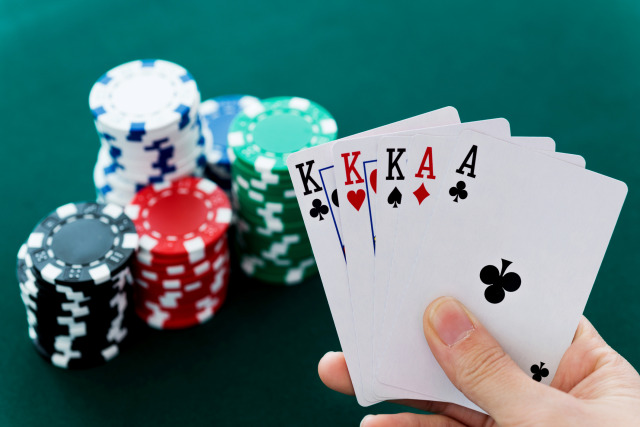 Play your favourite play at Roulette77 without any issues